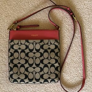 Coach- File Signature Cross Body